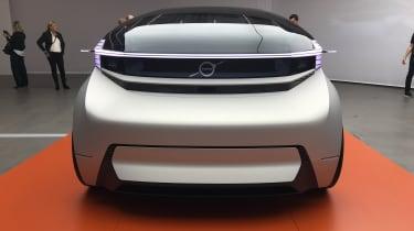 Volvo 360c concept - front