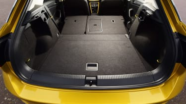 Volkswagen T-Roc - boot seats down