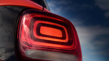 Citroen C3 Aircross - rear light