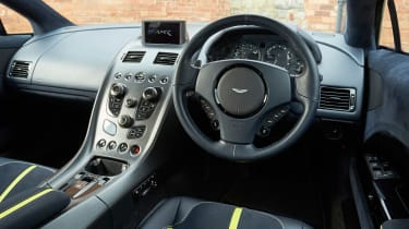 Aston Martin Rapide AMR - dash