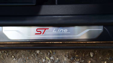 Ford Puma 1.0 Ecoboost ST Line Vignale sill