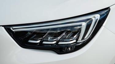 Vauxhall Crossland X - front light