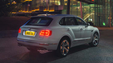 Bentley Bentayga PHEV - rear static night