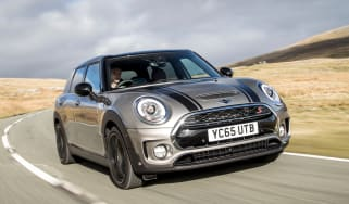 MINI Clubman ALL4 - front tracking
