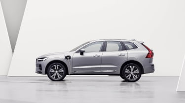 Volvo XC60 facelift - side shot