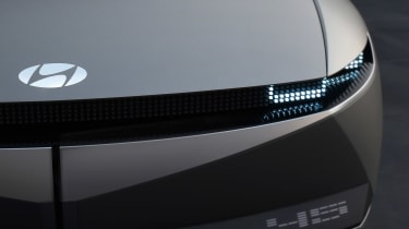 Hyundai 45 Concept - badge