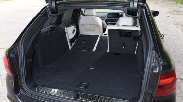 BMW 5 Series Touring - boot