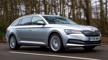 Skoda Superb iV - front tracking