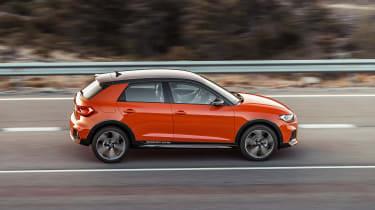 Audi A1 Citycarver - side action