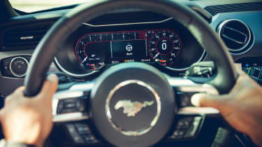 Ford Mustang - dials