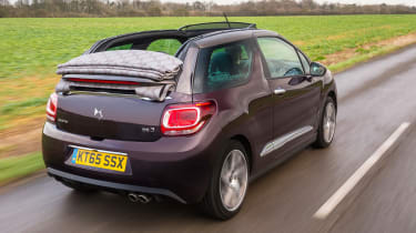 DS 3 Cabrio 2016 review - rear tracking