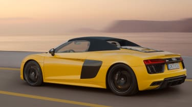 Audi R8 Spyder 2016 official - rear tracking 2