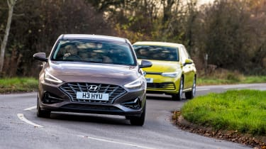 Hyundai i30 vs Volkswagen Golf - group corner