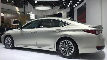 Lexus ES - Beijing show rear