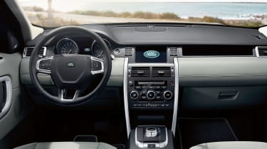 Land Rover Discovery Sport dash