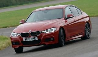 BMW 330e 2016 - front cornering