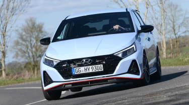 Hyundai i20 N - front cornering