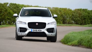 Jaguar F-Pace 2.0d R-Sport - head on