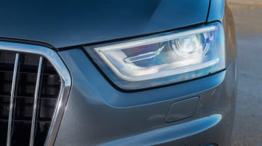 Used Audi Q3 - front light