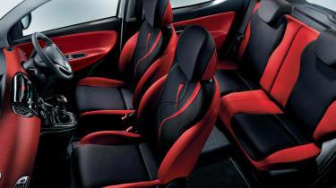 Chrysler Ypsilon Red&Black interior