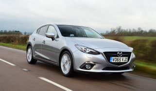 Mazda 3 hatchback 2016 SKYACTIV Diesel - front tracking