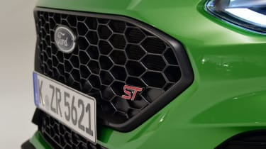 Ford Fiesta ST facelift - grille