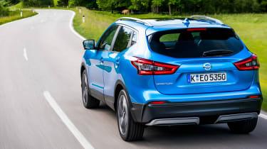 New Nissan Qashqai 2017 review rear tracking