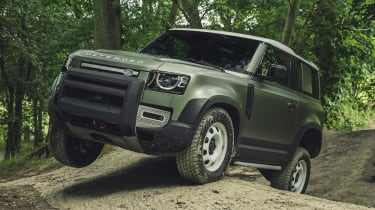 2019 Land Rover Defender articulation