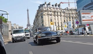 Citroen DS Eiffel Tower