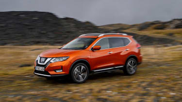 Nissan X-Trail - off-road
