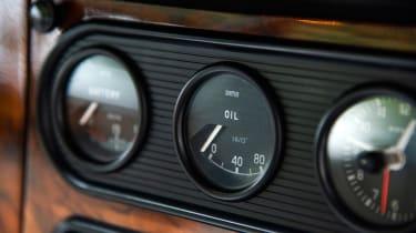 Jaguar XJ6 S1 gauges
