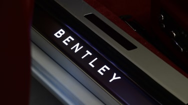 Bentley Continental GTC - studio sill