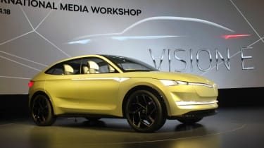 Skoda Vision E Concept - show front stand