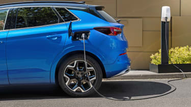 Vauxhall Grandland PHEV - charging