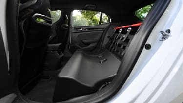 Renault Megane R.S. Trophy-R - rear seats