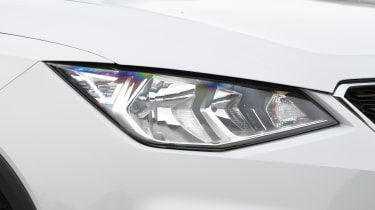 seat arona headlight
