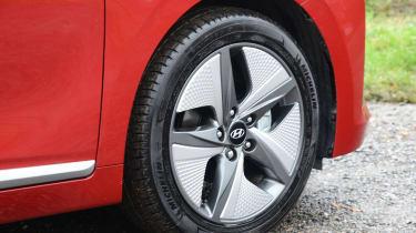 Hyundai Ioniq - wheel