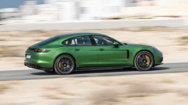Porsche Panamera GTS - side action