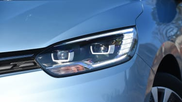 Renault Grand Scenic - front light detail