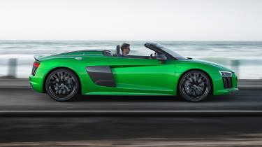 Audi R8 V10 Plus Spyder side dynamic