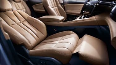 Nio ES8 - front seats