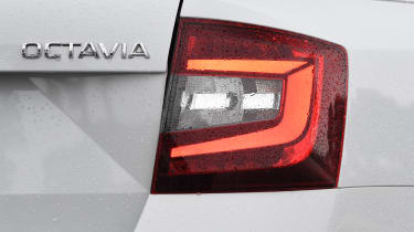 skoda octavia estate rear light