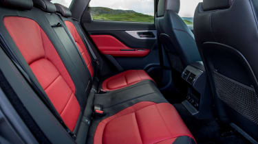 Jaguar F-Pace 3.0d V6 S - rear seats