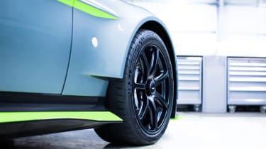 Aston Martin Vantage GT8 - wheel