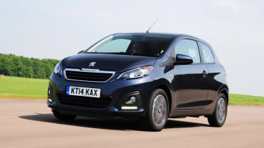 Peugeot 108 front tracking