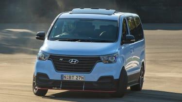 Hyundai i800 N Drift Bus - front drift