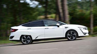 Honda Clarity - side