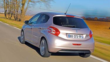 Peugeot 208 e-HDi rear tracking