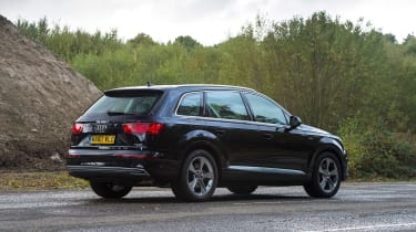 Audi Q7 e-tron - rear static