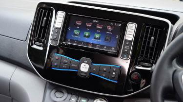 Nissan e-NV200 Combi - infotainment